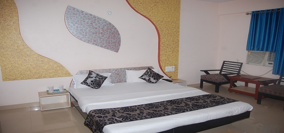Hotel Gomti Super Deluxe Double Bed